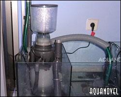 Skimmer de proteínas. Además de eliminar la urea previamente a que se transforme en amoniaco funciona en el acuario como un reactor de oxígeno.